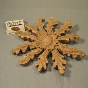 Eguzkilore tallado en Madera de Roble (Grande)